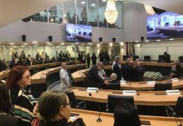 Deputados paraibanos iniciam trabalhos legislativos esta tarde; João Azevedo participará da sessão