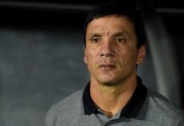 Zé Ricardo se irrita com salários atrasados recorrentes no Botafogo
