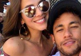 Bruna Marquezine ironiza novos rumores de término com Neymar