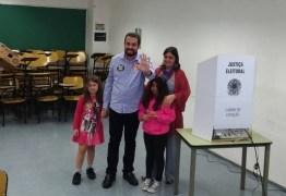 Boulos vota em São Paulo acompanhado da família