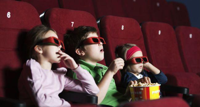 criancas cinema 1 - Caixa dos Advogados realiza sessão de cinema para crianças