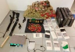 Polícia encontra depósito com armas e mais de 200kg de drogas em João Pessoa