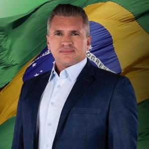 """e62fc05e 91f0 4fe4 9b45 53a8e26cff18 300x300 - Julian Lemos rebate Ricardo: """"O povo não é seu comissionado no Estado para viver debaixo da sua chibata! Bolsonaro é mito sim"""""""