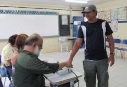 Eleitor de Fernando de Noronha é o 1º a votar no Brasil