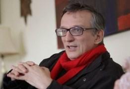 VEJA VÍDEO: Jornalista se demite ao vivo após ser impedido de fazer perguntas a Jair Bolsonaro