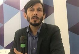 'Nos momentos de crise sempre há uma porta aberta aos extremismos' afirma o sociólogo Luiz Gonzaga Júnior