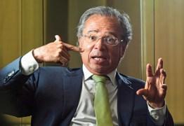 'É possível fazer coisas cem vezes melhores do que investir em futebol', afirma Paulo Guedes sobre patrocínios da Caixa