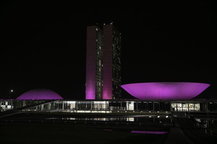 vac abr 20181002 1743 - Cidades se iluminam de rosa para lembrar combate ao câncer de mama