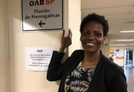 Advogada algemada e detida pela polícia vai abrir escritório para negros