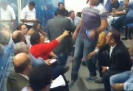 VEJA VÍDEO: Em reunião com marchantes, primeira-dama de Patos chama vereadores de vagabundos
