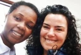 Fã relata encontro com Ana Paula Arósio durante votação em SP: 'Só eu a reconheci'