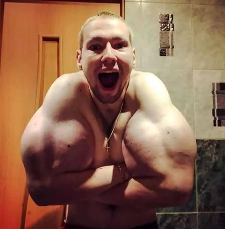 xblog kirill.jpg.pagespeed.ic .qujuhma5gm - 'Popeye russo' diz adotar dieta só com ração para gato a fim de aumentar os 'músculos'