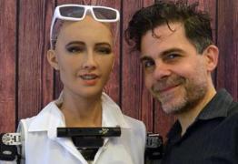 Sophia, a robô social, é a primeira humanoide a receber visto de viagem oficial