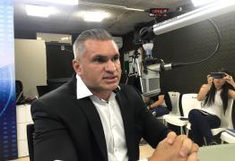 VEJA VÍDEO: Julian Lemos diz que 30% a 40% do Bolsa Família são fraudes