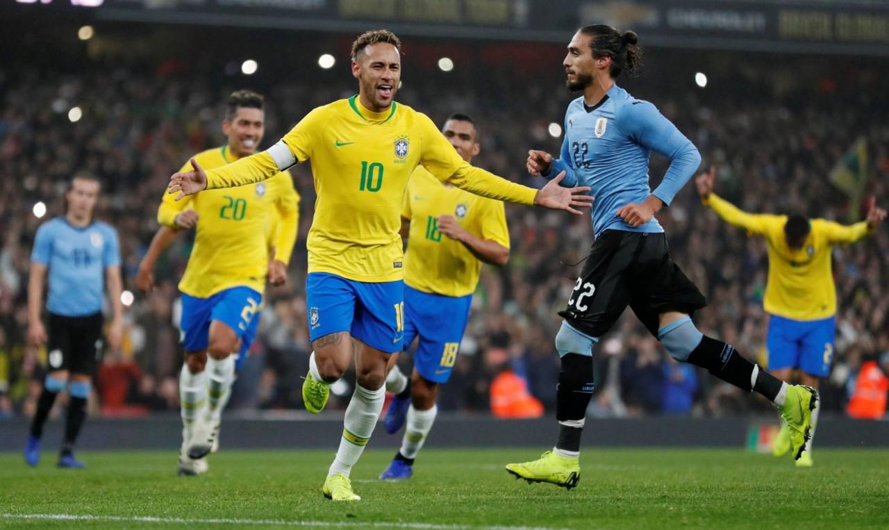 1542395244 923350 1542405916 noticia normal recorte1 - Brasil vence o Uruguai com gol de pênalti de Neymar