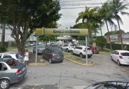 Grupo arromba agência do Banco do Brasil na Epitácio Pessoa