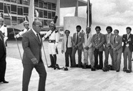 O general Figueiredo, o repórter e o senador Humberto Lucena