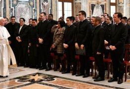 Papa Francisco pede a sacerdotes latino-americanos que gastem a vida por seu povo