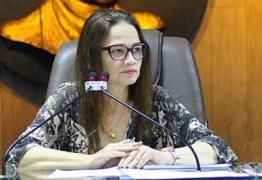 'Fiquem em pé dois idiotas', dispara presidente da CMCG durante votação -VEJA VÍDEO