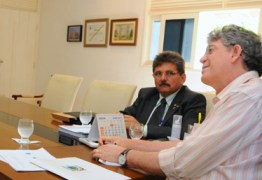 RECONHECENDO LIDERANÇA DE RICARDO: Após encontro com deputados apoiadores Galdino faz reunião com governador na Granja Santana