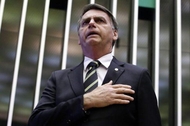 brasil bolsonaro congresso 20181106 006 696x464 300x200 - Prefeitos e secretários de Saúde querem que Bolsonaro recue para manter cubanos no Brasil