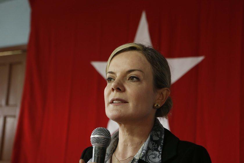 gleisi - PT nacional comunica ao TRE-PB que candidatura de Anísio Maia em João Pessoa está nula