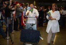 Médicos Cubanos encerram atividades e iniciam processo para deixar PB