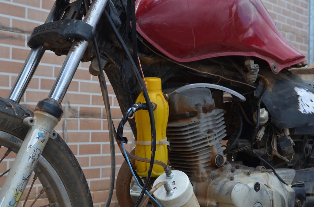 moto agua - Após greve dos caminhoneiros, paraibano analfabeto cria moto movida a água