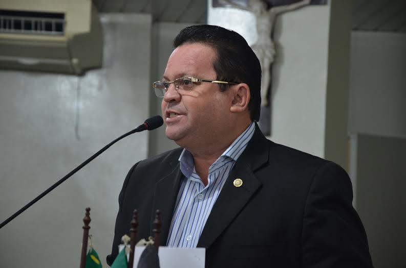 """olimpiooliveira - Olímpio avalia afirmação de Ludgério sobre """"ratos"""" na CMCG: """"Não cai na minha cabeça"""""""