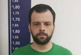 Professor preso com 48 mil downloads de pornografia infantil