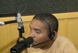 Homem conhecido por 'Rádio Tapioca' é levado à delegacia após exibir partes íntimas para mulheres em Cajazeiras