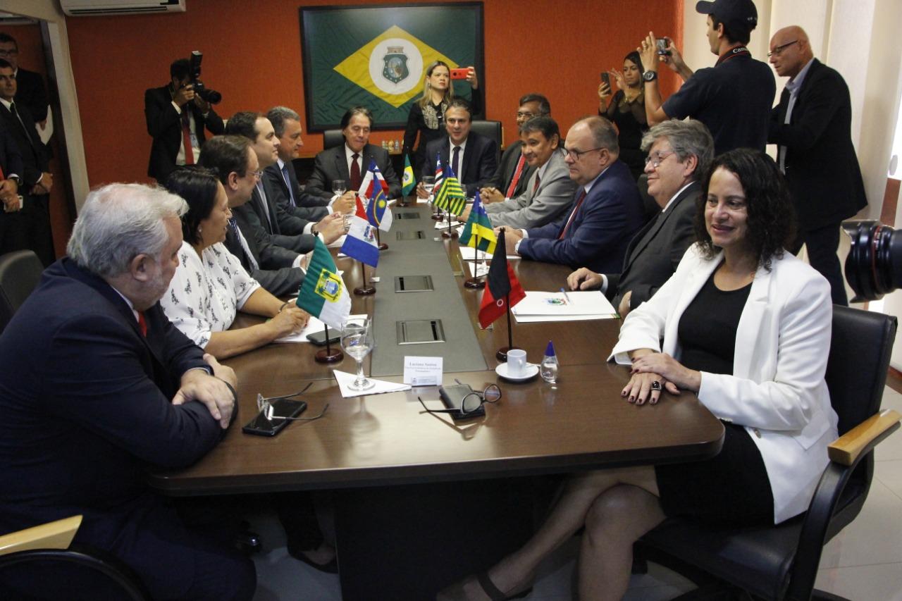 reunião Nordeste - João Azevêdo defende diálogo com governo federal para solucionar problemas do Nordeste