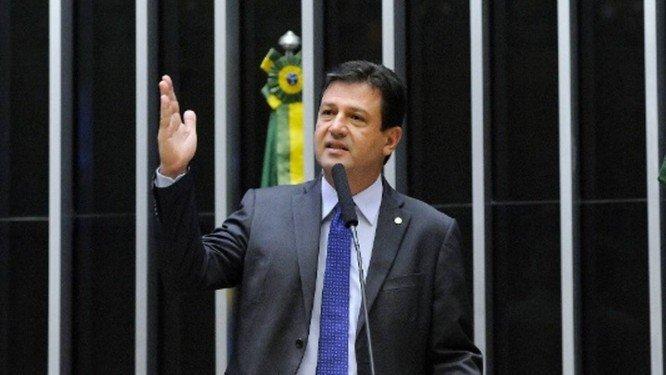 xmandetta.jpg.pagespeed.ic .bCoBTFlfRc - Notas mostram voos de ministro da Saúde de Bolsonaro pagos por empresa investigada