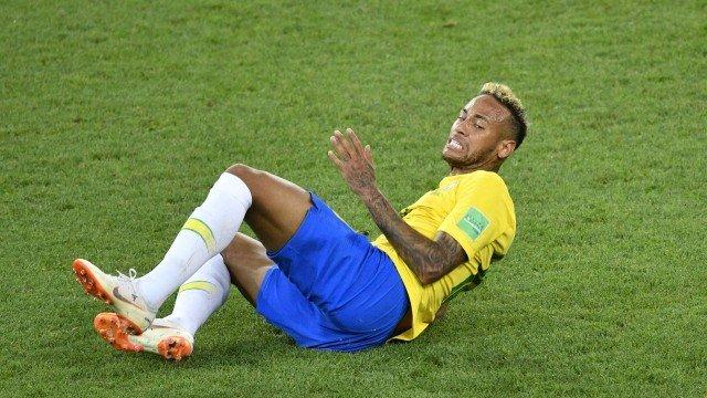 xneymar.jpg.pagespeed.ic .CF4JnlRHJY - Bombeiros usam Neymar para dar instrução em caso de fogo no corpo: 'Para, cai e rebola'