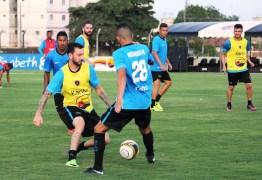 Elenco do Botafogo-PB participa de trabalho físico-técnico