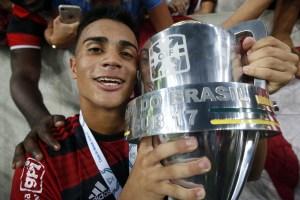 15454410244545 300x200 - Joia 2019: Reinier lidera a base do Flamengo com R$ 308 milhões nas costas e chama atenção do mundo