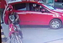 Motoqueiro faz arrastões em postos de combustíveis de João Pessoa e assalto é filmado – VEJA VÍDEO