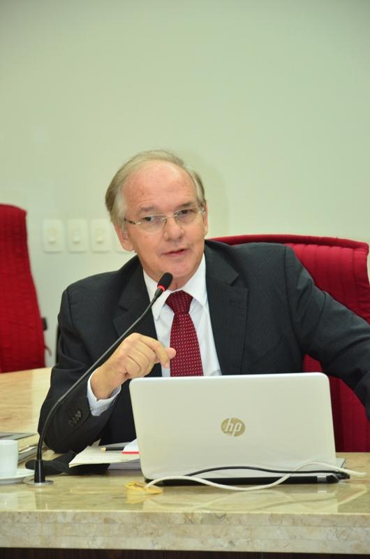 ARNÓBIO PRESIDENTE TCE - Conselheiro Arnóbio Viana é eleito novo presidente do Tribunal de Contas do Estado para biênio 2019-2010