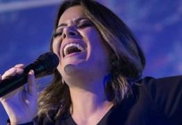Cantora gospel diz que suas musicas 'tem ajudado a tirar muitos gays da homossexualidade'