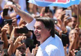 VEJA VÍDEO: Militares da reserva protestam para pedir emprego a Bolsonaro