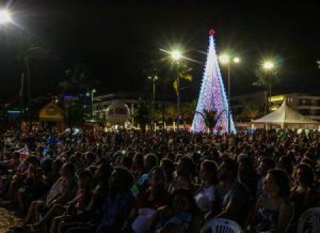 ConcertoNatal foto dayseeuzebio 4 300x218 300x218 - Orquestras da Ação Social pela Música do Brasil e OSMJP encantam público no Busto de Tamandaré