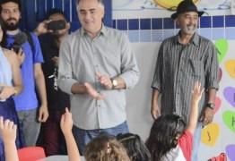 Luciano Cartaxo anuncia pagamento do 14º salário dos professores