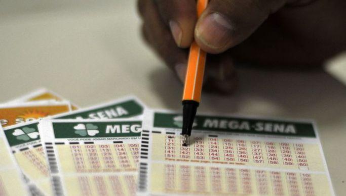 Mega sena1 - Terceiro maior prêmio da história: Mega-Sena sorteia R$ 275 milhões neste sábado