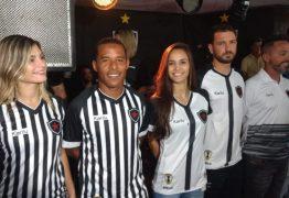 Botafogo-PB apresenta elenco e novo uniforme na capital