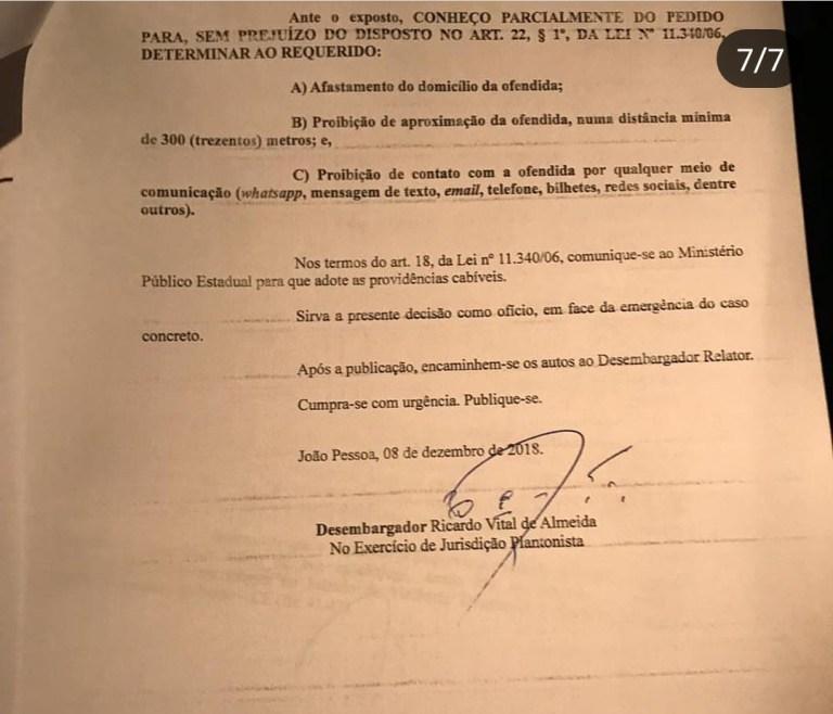 WhatsApp Image 2018 12 08 at 22.20.41 2 - FILHA DE SALOMÃO GADELHA: Prefeito de Sousa, Fábio Tyrone agride ex-companheira e é denunciado à Justiça - VEJA FOTOS