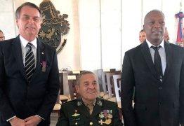 Bolsonaro pediu medalha ao Exército em 2012 como prova de que não é racista