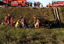 Capotamento na BR-230 deixa cinco feridos em Santa Rita