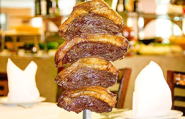 carnes - TCE afirma que Câmara de Santa Rita pagou despesas de rodízio de carnes nobres no Sal e Brasa