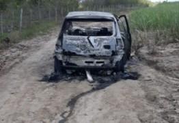 Dois corpos são encontrados carbonizados dentro de carro, em Santa Rita
