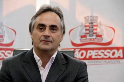 luciano cartaxo d 300x200 - Luciano Cartaxo, um líder político em ascensão! - Por Rui Galdino